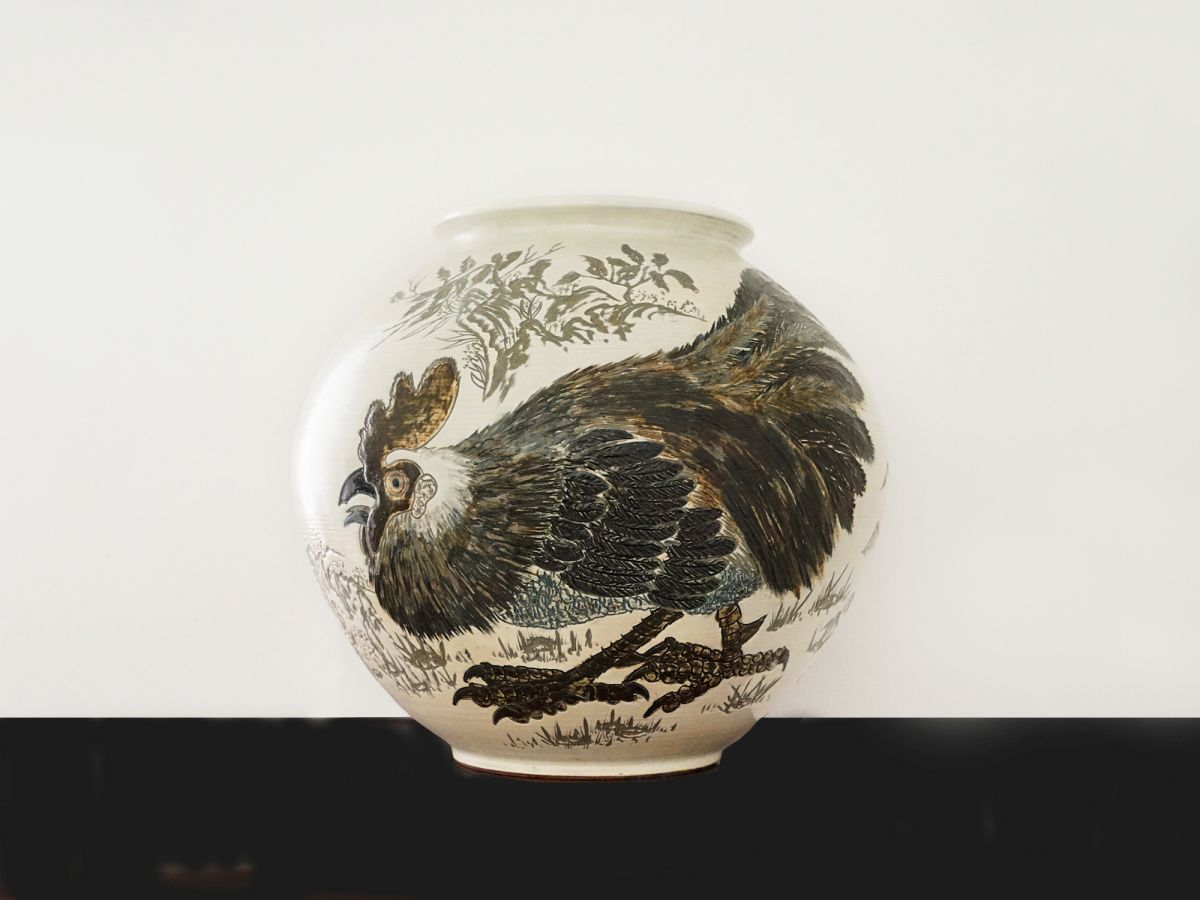 Large vase,  Rooster in the meadow